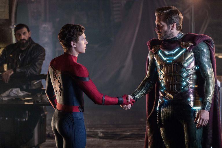 """Кадр из фильма """"Человек-паук: Вдали от дома"""""""