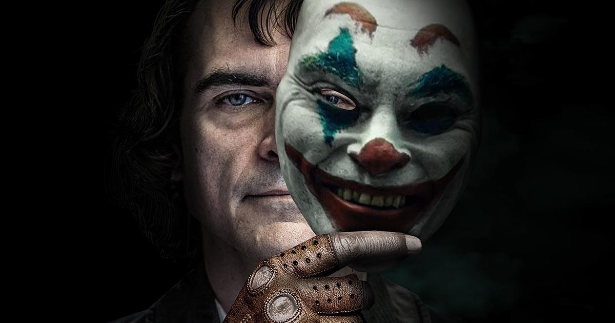Хоакин Феникс и маска Джокера