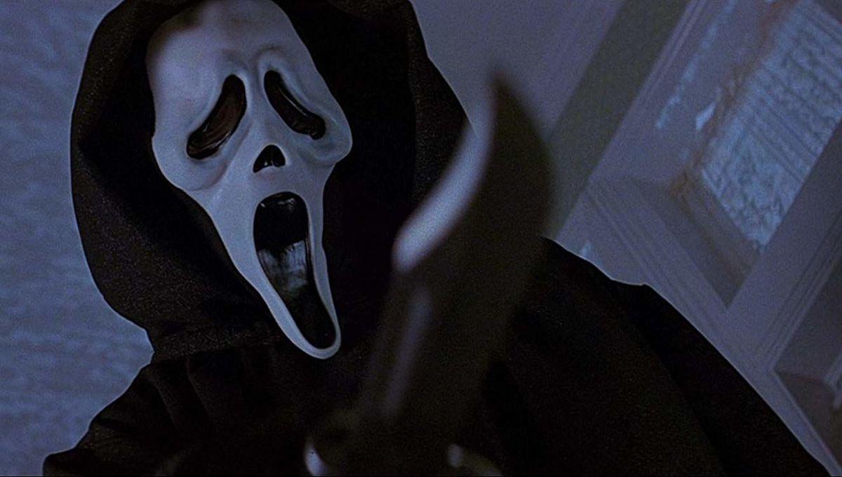 """Убийца из фильма """"Крик"""" 1996"""