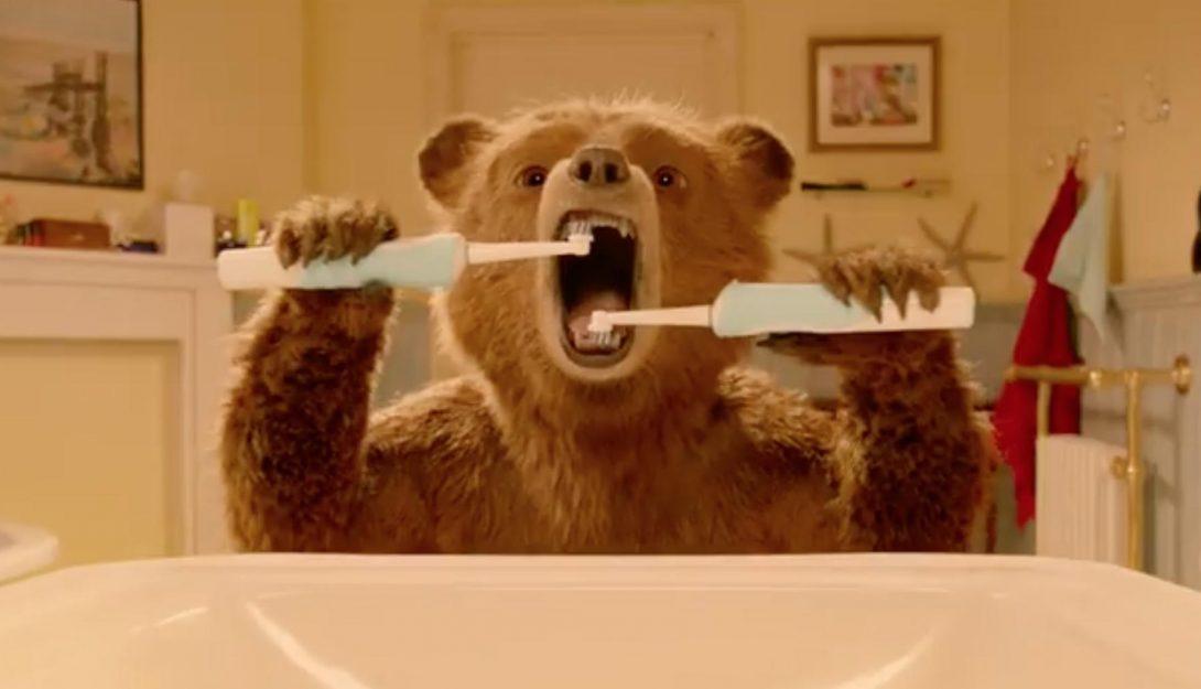 """Кадр из фильма """"Паддингтон 2"""""""